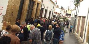 Lokmacı'da turist kalabalığı