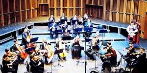 İki Toplumlu orkestra büyüledi