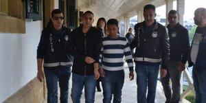 'Uyuşturucu kuryelerine' 30'er ay hapislik