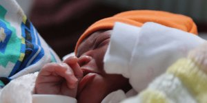 Yılın ilk bebeği Lefkoşa Devlet Hastanesi'nde doğdu