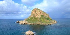 Vuni Sarayı ve Petra Tou Limnidi Adası