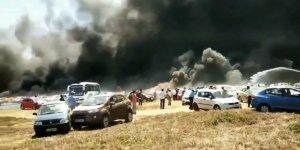Uçuş gösterisi izlemeye gelenlerin araçları yandı: 300 araba kül oldu
