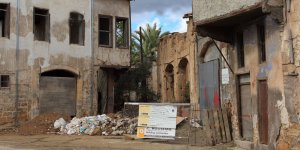 Kıbrıslı Türklere ait binalar inceleniyor