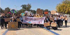 Mağusa'da lise öğrencilerinden iklim grevi