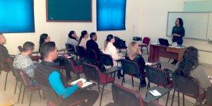 Belediye çalışanları İngilizce öğreniyor