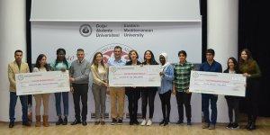 DAÜ'den 130 başarılı öğrenciye para ödülü