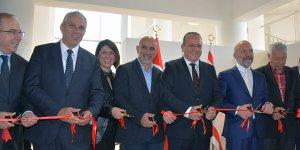 """60 eserden oluşan """"Kıbrıslı Yorumlar"""" sergisi açıldı"""