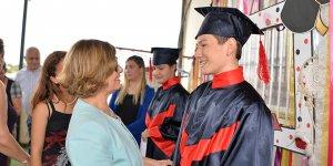 Lefkoşa Özel Eğitim ve İş Eğitim Merkezi'nde diploma sevinci