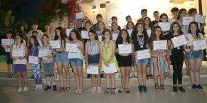 Elit Eğitim Merkezi öğrencilerini ödüllendirdi