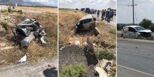 Düzova yakınlarında feci kaza: Biri ağır, 2 yaralı