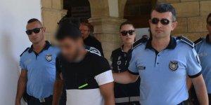 2 mülteci cezaevine gönderildi