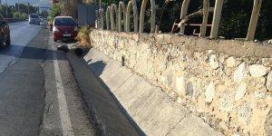 Girne'deki çevre yolunda temizlik