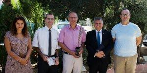 Türk Bankası selvi ağacı hediye etti