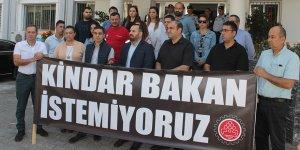 KTAMS Maliye Bakanını protesto etti
