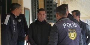 Polise taşa, 18 ay hapislik