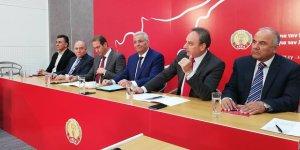 AKEL, ülkenin yeniden birleşmesi için harekete geçiyor