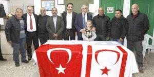 Akıncı, Akçay'da vatandaşlarla sohbet etti