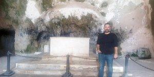 Saint Pierre'den, Habib-i Neccar'a…