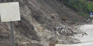 Büyükkonuk - Kaplıca yolu üzerinde toprak kayması oldu