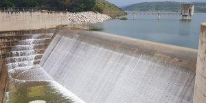 Limasol'u su bastı  Barajlar peş peşe taşmaya başladı…