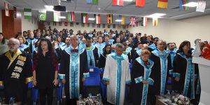 Girne Üniversitesi'nde mezuniyet töreni yapıldı
