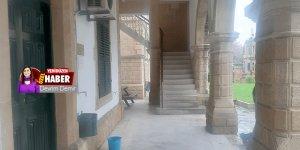 Salonlar ve koridorlar boşaldı