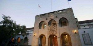 Güneyde kamuda çalışan Kıbrıslı Türkler kesintisiz ödenecek