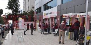 Bankalarda maaş yoğunluğu