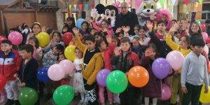Girne Belediyesi çocukları balkona çağırdı
