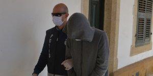 2 bin 400 lira çalmakla suçlanıyor