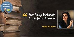 """""""Her kitap birbirinin boşluğunu doldurur"""""""