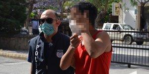 Hükümsüz tutuklu olarak cezaevinde bekleyecek