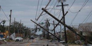 Laura Kasırgası su baskınlarına ve büyük hasara yol açtı