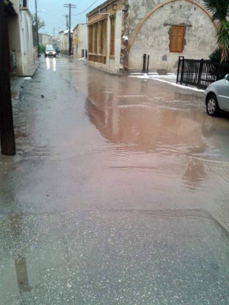 Şiddetli yağmur ve dolu Omorfo'yu vurdu 7