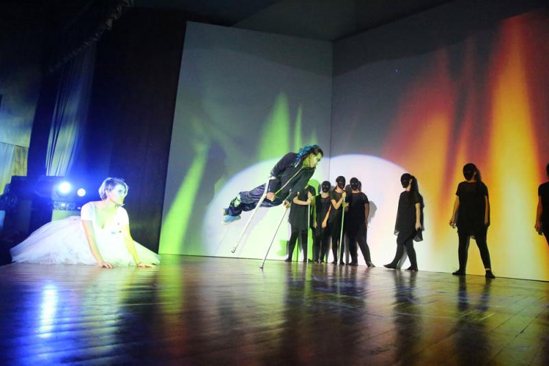 Sanat Engel Tanımaz' 12