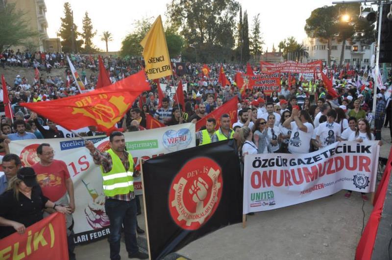 1 Mayıs Taksim Sahasında kutlandı 17