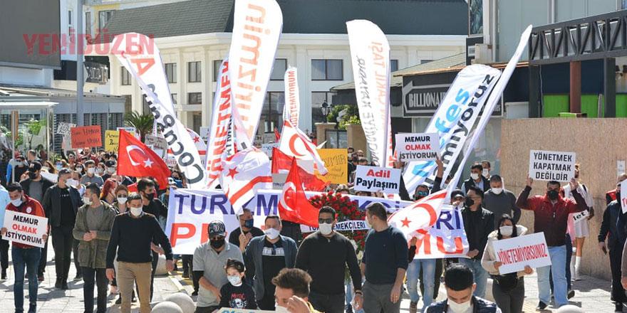 Turizm emekçileri Girne'de eylemde