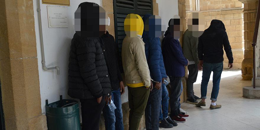 7 kişi yasa dışı güneye geçerken yakalandı