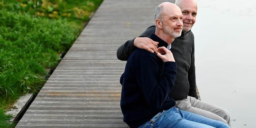 Dünyanın 'resmen evli' ilk eşcinsel çifti: Onur duyuyoruz
