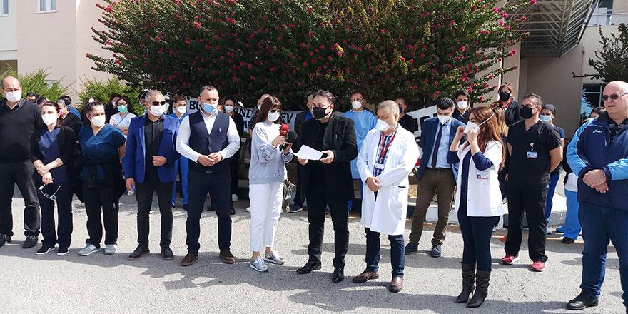 Mağusa Devlet Hastanesi'ndeki grev Laboratuvar bölümünde süresiz devam edecek