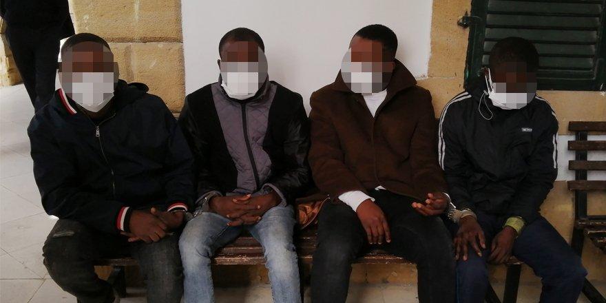 8 kişi hakkında ek tutukluluk