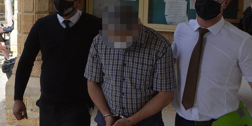 '8 şişe içki' hırsızlığı zanlısı, 5 gün daha tutuklu