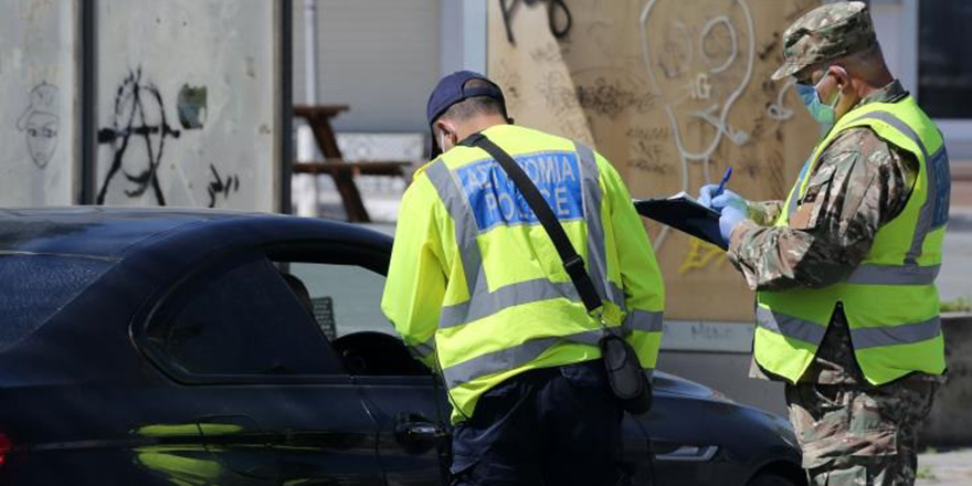 Güneyde polis COVID-19 tedbirlerine uymayan 208 kişiyi rapor etti