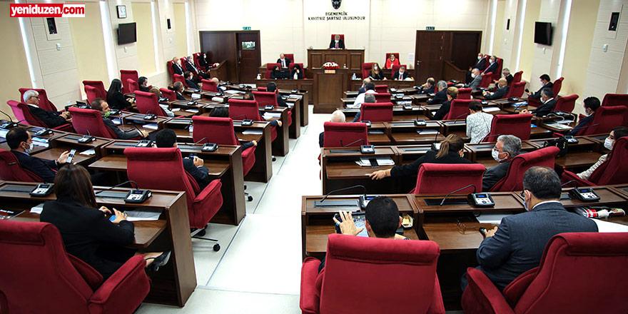 """Tatar bugün Meclis'te, CTP ise toplantıya katılmayacak... """"Yalan"""" dedi,  masaya sundu"""
