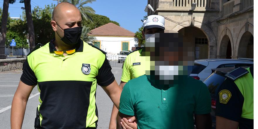Sürücü ehliyetsiz ve 227 promil alkollü çıktı