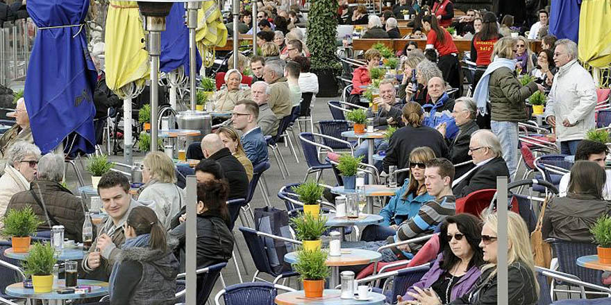 Almanya'da kritik eşik ilk kez 100'ün altına indi