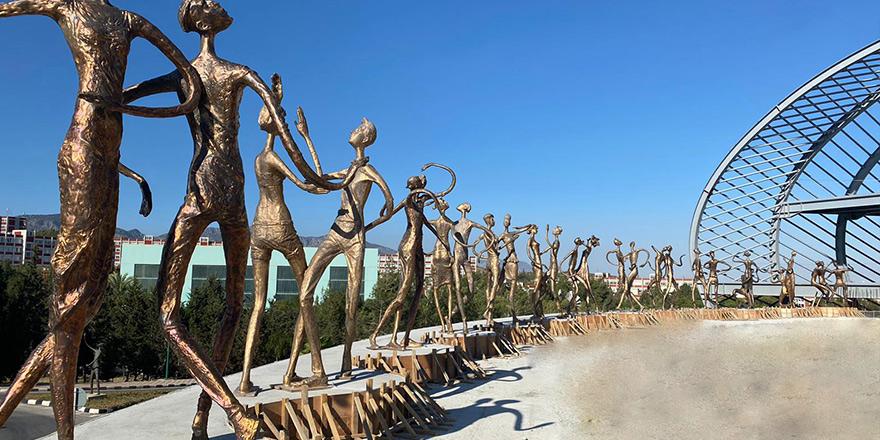 30 heykel YDÜ'de sergilenmeye başlandı…