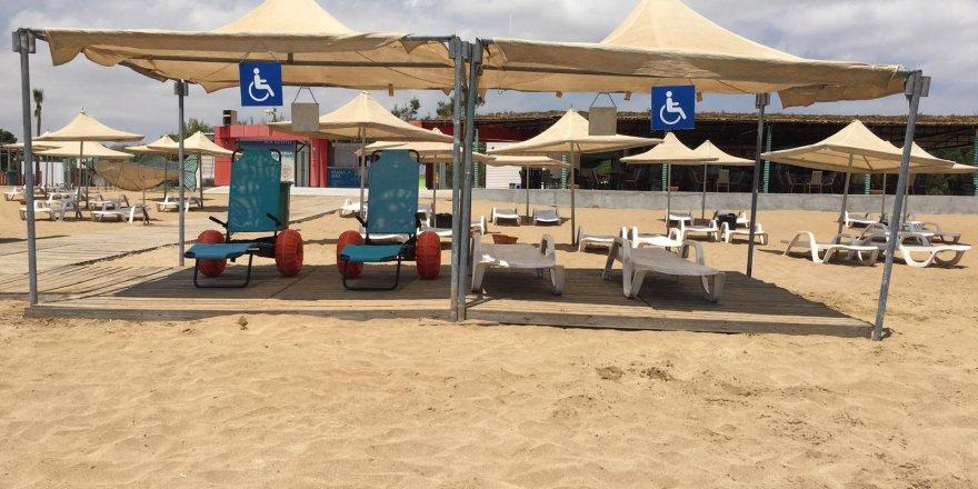 Bafra Halk Plajı engelli şezlonglarıyla bir ilk
