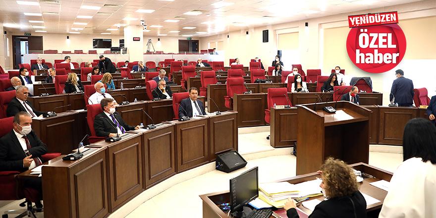 Meclis tatiline az kaldı,  yasa tasarıları Komite'de tıkandı