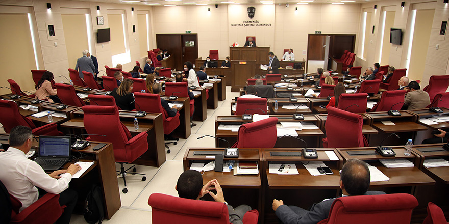 Muhalefetsiz Ad-Hoc Komitesi'ne oy çokluğu